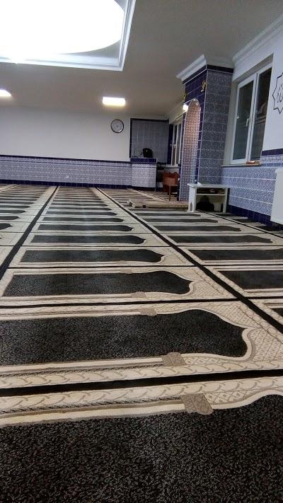 Mosque Hazreti Hamza Camii, Beringen